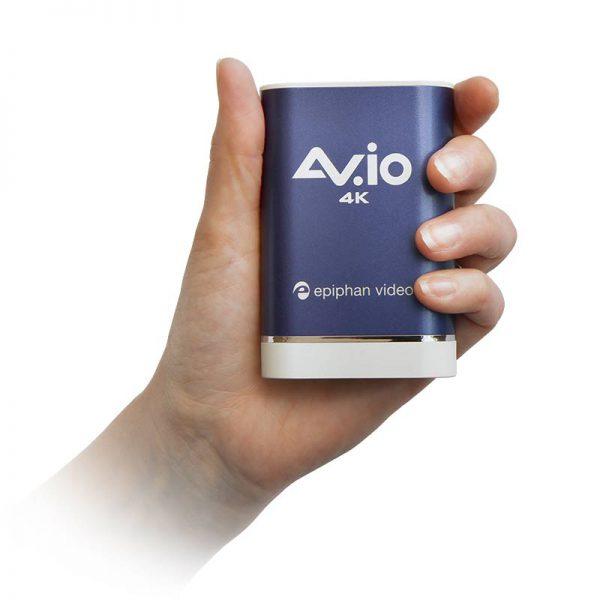 AV.io 4K - in hand