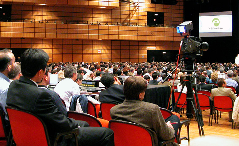 Use overflow rooms to accommodate large audience sizes at your next live event